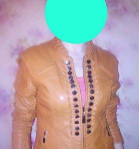 Продам куртку экокожа