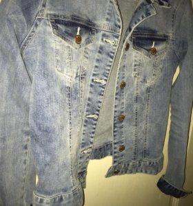 Джинсовая куртка, в хорошем состоянии