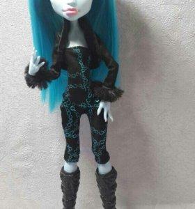 Перепрошитая кукла Monster High