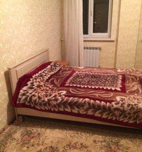 Спальный гарнитур ( кровать с матрасом и шкаф)