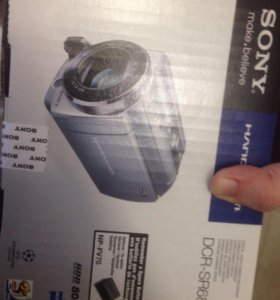 Видеокамера Sony DCR-SR68E