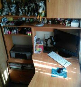 Стол компьютерный и письменный