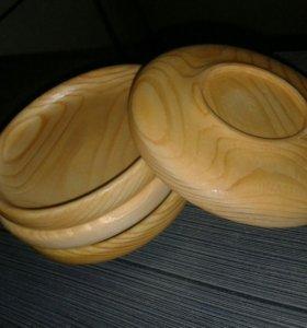 Блюдца из дерева.