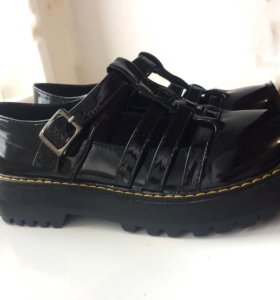 Лаковые ботиночки