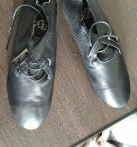 Новые кроссовки 43 р-р