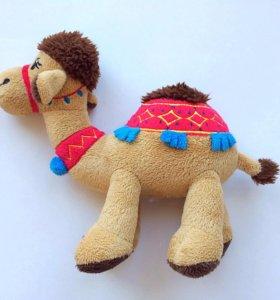 Игрушка верблюжонок