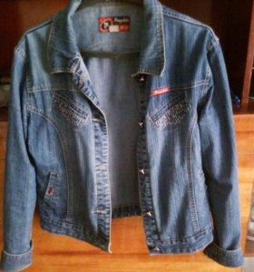 Женский джинсовый пиджак 52-54размер