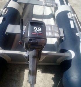 Лодка резиновая с мотором в отлич.сост