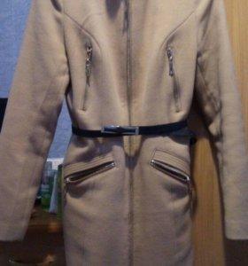 Пальто женское ( новое)