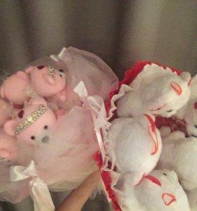 Подарочный букет из мишек