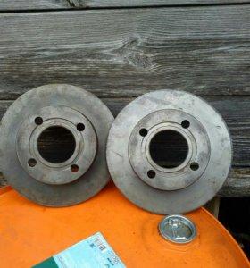 Передние тормозные диски на ауди 80 бочка новые не