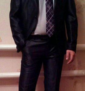 Мужской молодёжный костюм