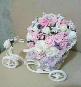 Цветочная композиция в велосипеде
