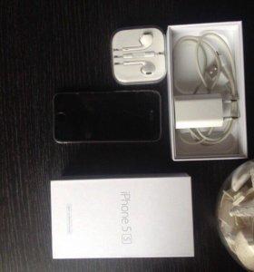 Айфон 5s чёрный на 16гв