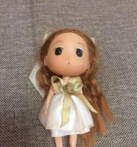 Куколка с длинными волосами