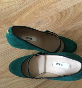 Guess новые туфли 👠 замшевые 35