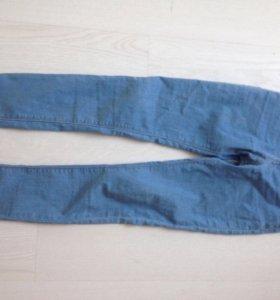 Новые джинсы в отличном состоянии