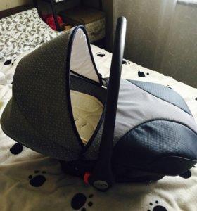 Автокресло для новор , переноска , коврик разв