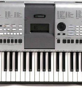 Yamaha PSR E413