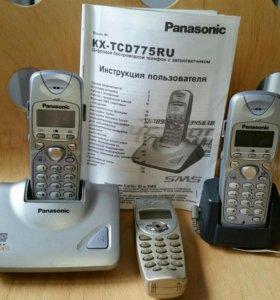 Радиотелефон Panasonic с автоответчиком. 3 трубки.
