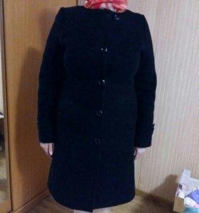 Продаю пальто демисезонное
