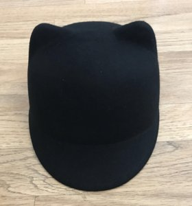 Чёрная шапка с ушками