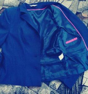 Новый фирменный пиджак р. 48