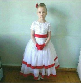 Платье на девочку 6-7 лет с аксессуарами