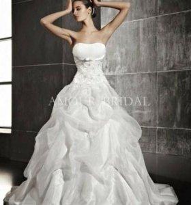 Новое испанском свадебное платье, кольца, корзинки