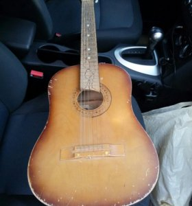 Гитара.Возможен небольшой торг