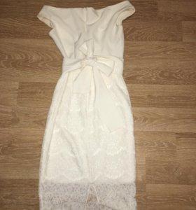 Платье белое, золотой песок.