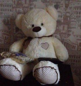 Медведь-плюшевый