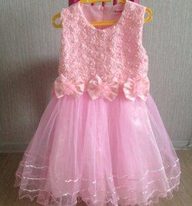 Платье нарядное д/девочки