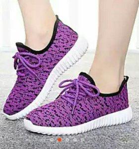 Спортивные туфли (новые)