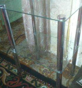 Столик стеклянный, декоративный