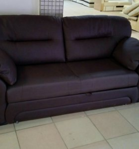 Прямой диван в коже Бристоль