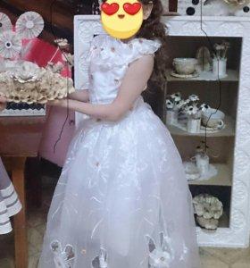 Платье на девочку 5-7 лет