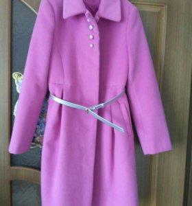Новое пальто на девочку