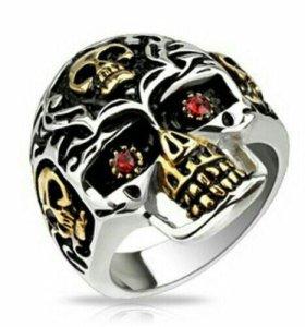 Кольцо Spikes с черепами и красными камнями