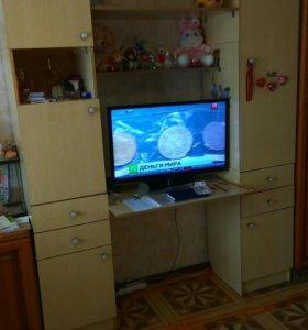 Стол со шкафами