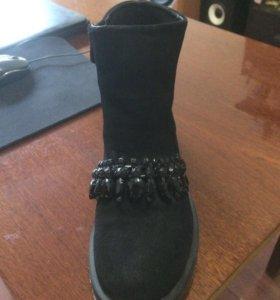Продаю новые осенние ботинки, натуральные