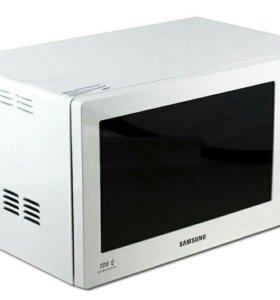 Стиральная машина, телевизор и микроволновка