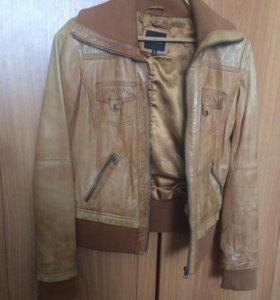 Куртка женская кожзам в отл состоянии