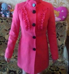 Новое кшемировое пальто.