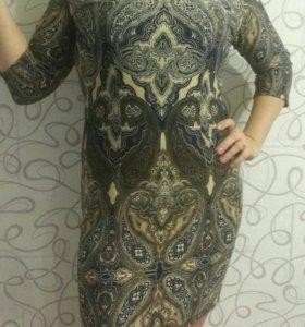 Платье р-р 50.