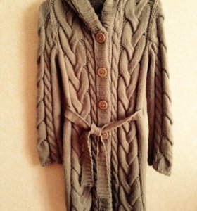 Пальто вязанное .