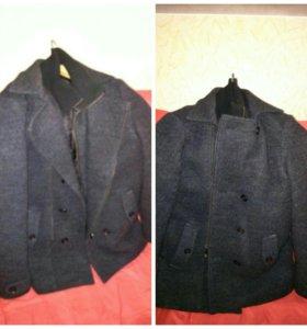 Драповое пальто. В отличном состоянии.