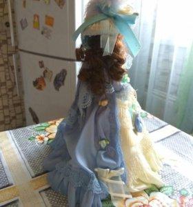 Детская красивая кукла.