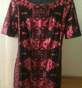 Стильное платье Acasta