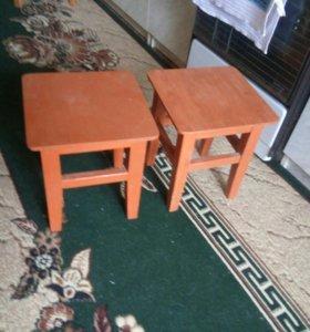 Два маленьких стульчика